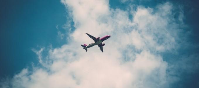 airplane-923607_960_720